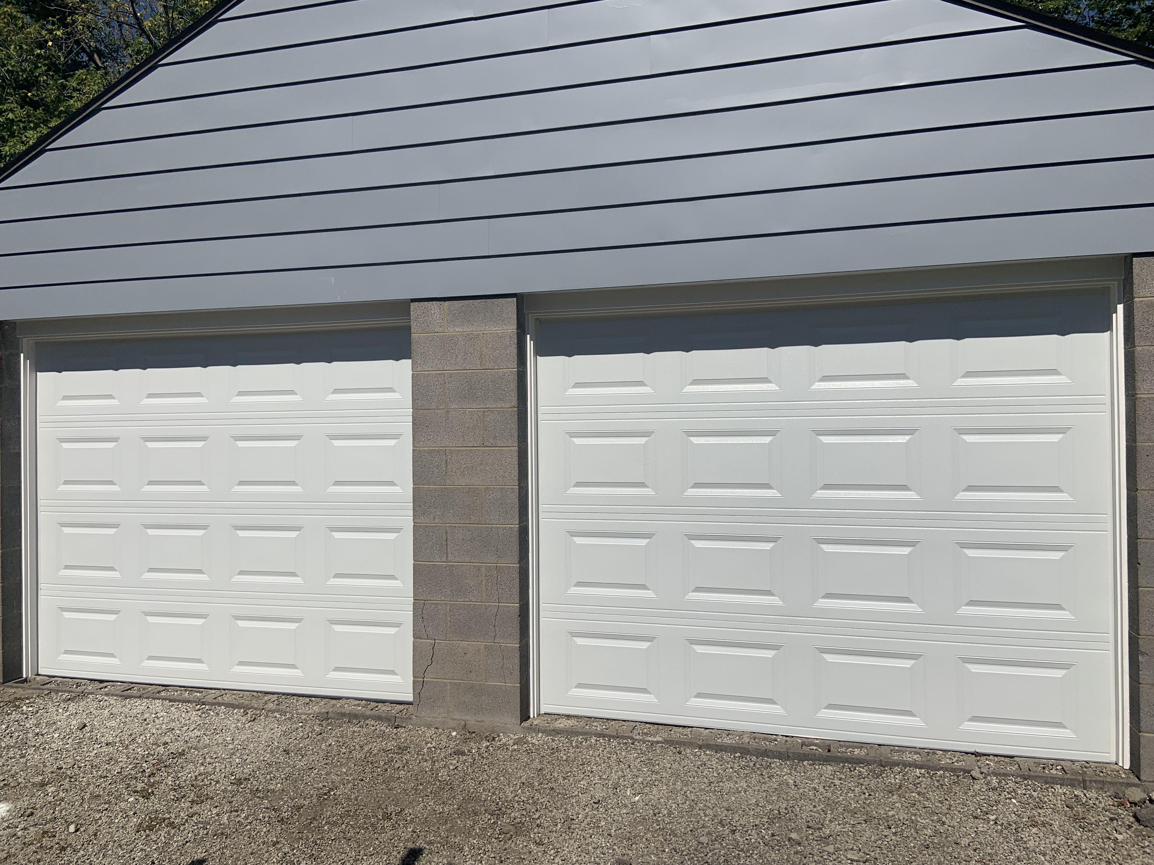 8 X7 Chi Model 2250 Garage Doors Overhead Door Garage Service
