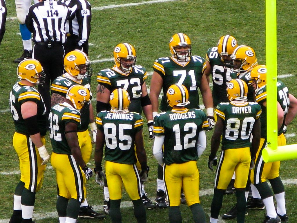 Team Huddle Green Bay Packers History Green Bay Packers Pictures Green Bay Packers