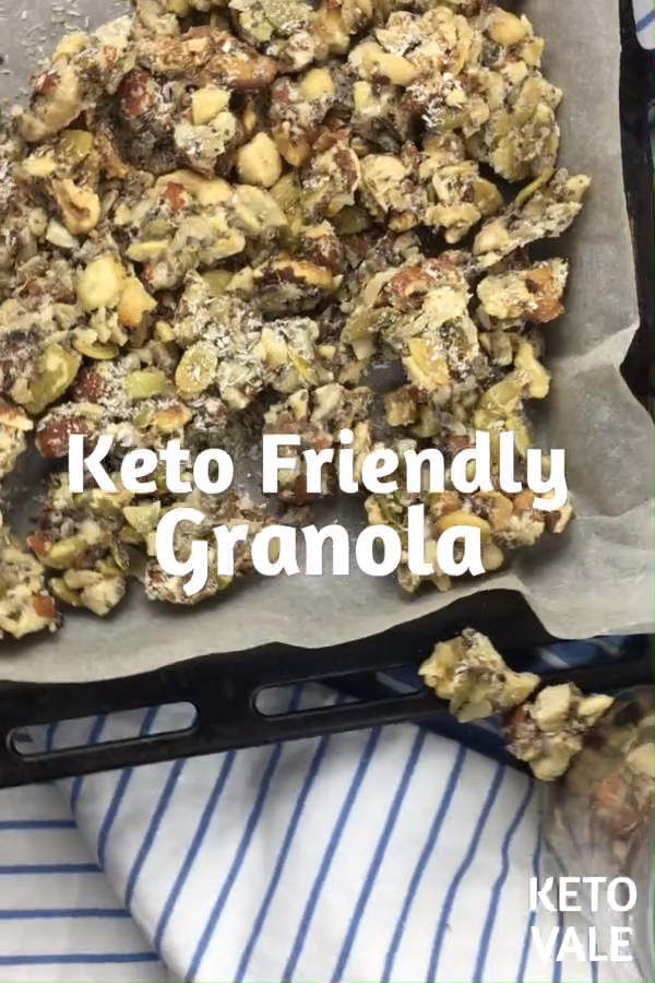 Missing granola? Try this low carb, sugar-free, grain-free and keto-friendly recipe! #ketogranola #granola #lowcarbgranola #sugarfreegranola #grainfreegranola