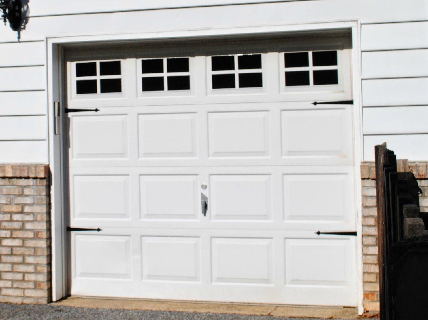 Diy Vinyl Faux Carriage Garage Doors Free Studio File Giveaway Garage Doors Garage Door Windows Garage Door Design