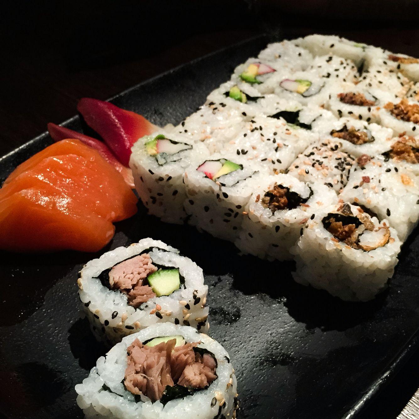 Salmon Sashimi, Salmon skin roll, Clam sashimi, Crispy