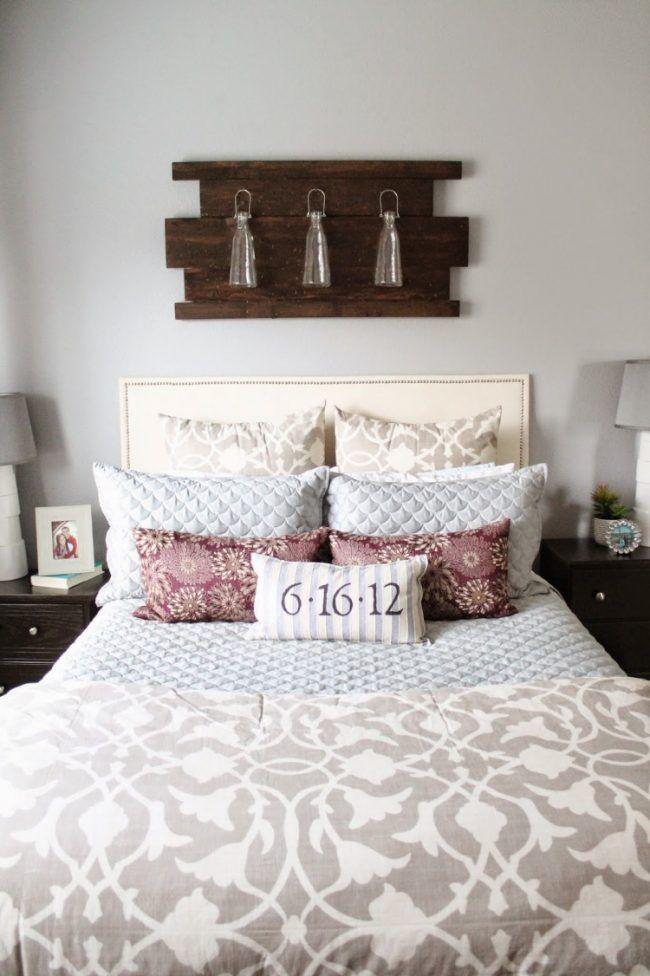 wanddeko-holz-selber-machen-schlafzimmer-bett-aufhaengen-vasen - wohnideen selbst schlafzimmer machen