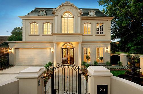 Real Estate In Hamptons Or California Mmm