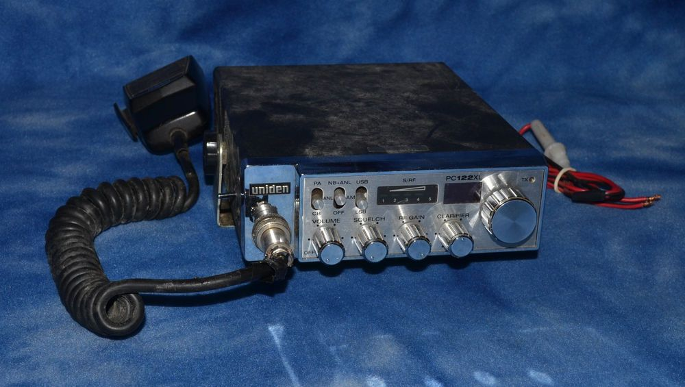 Uniden PC122XL AM/SSB CB Mobile Station with Extra Channels
