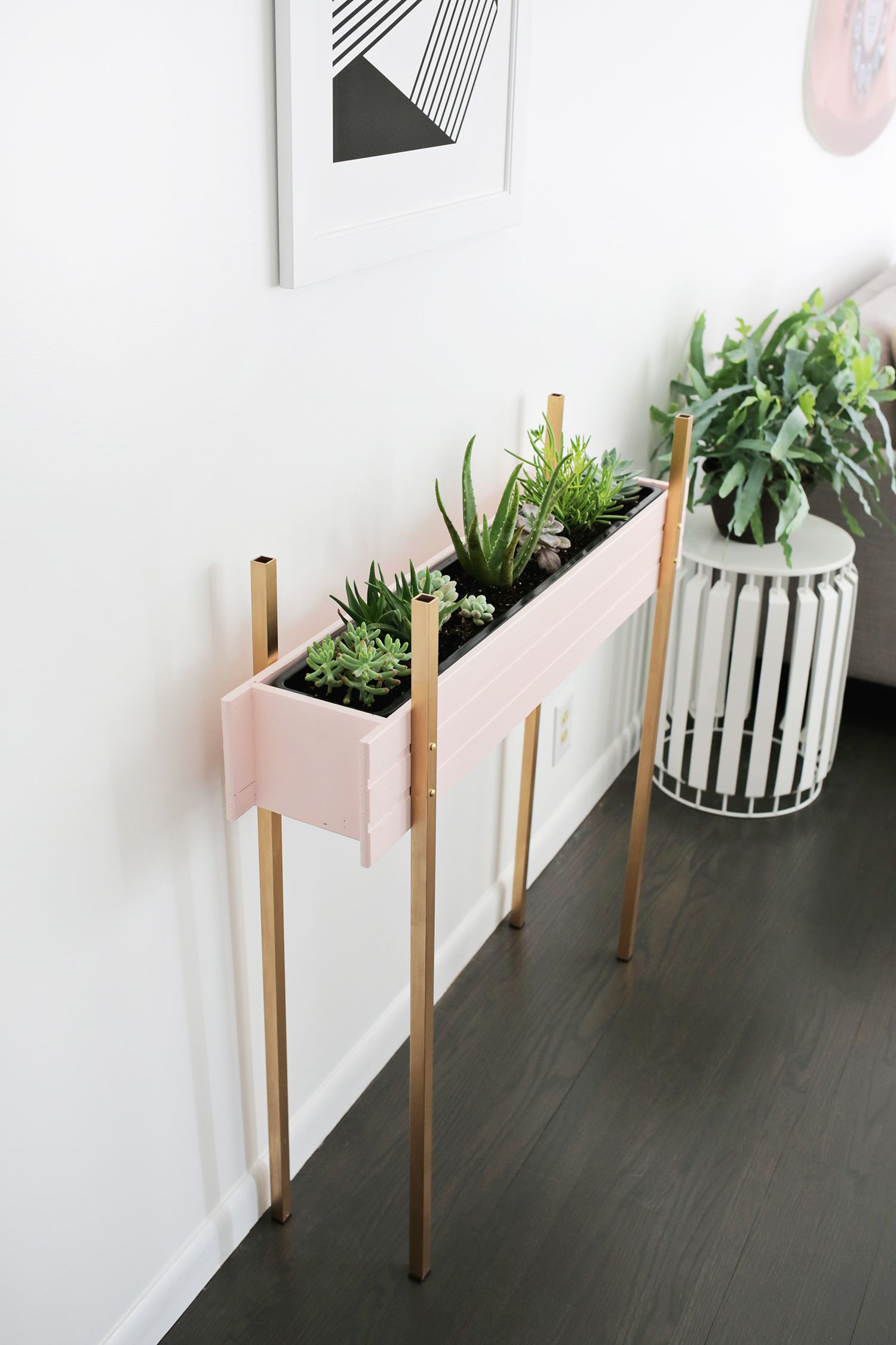 Skinny Planter Stand DIY Diy plant stand, Planters, Garden
