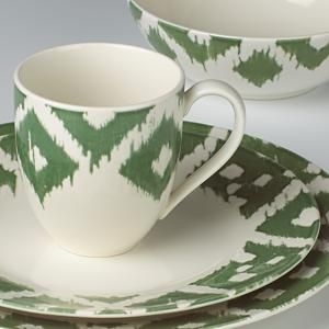 "Green and white dishes on the Netflix show ""Grace and Frankie"""