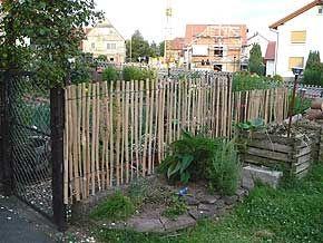 staketenzaun selbst gebaut garten pinterest zaun garten und garten ideen. Black Bedroom Furniture Sets. Home Design Ideas