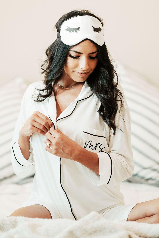 Mrs Sleep Shirt Bridal Shower Dress Wedding Dress Long Sleeve Bridal Party Pajamas [ 1500 x 1000 Pixel ]