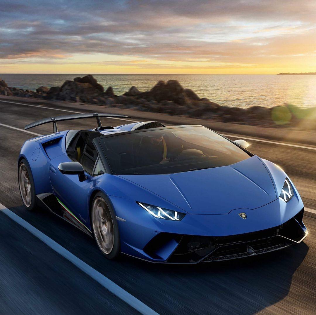Spyder Sports Car: Lamborghini Huracan Performante Spyder