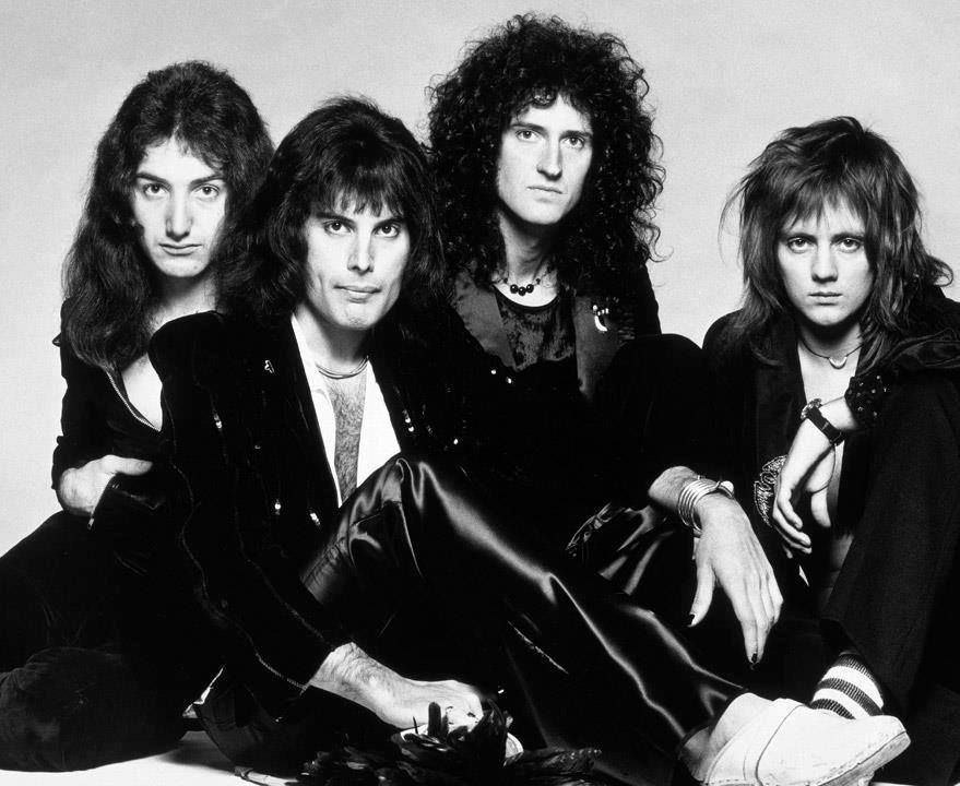 Queen at La Valbonne, Kingly Street, London in 1975 Photo by Terry O'Neill