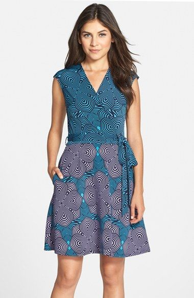 Lace dress loft 60