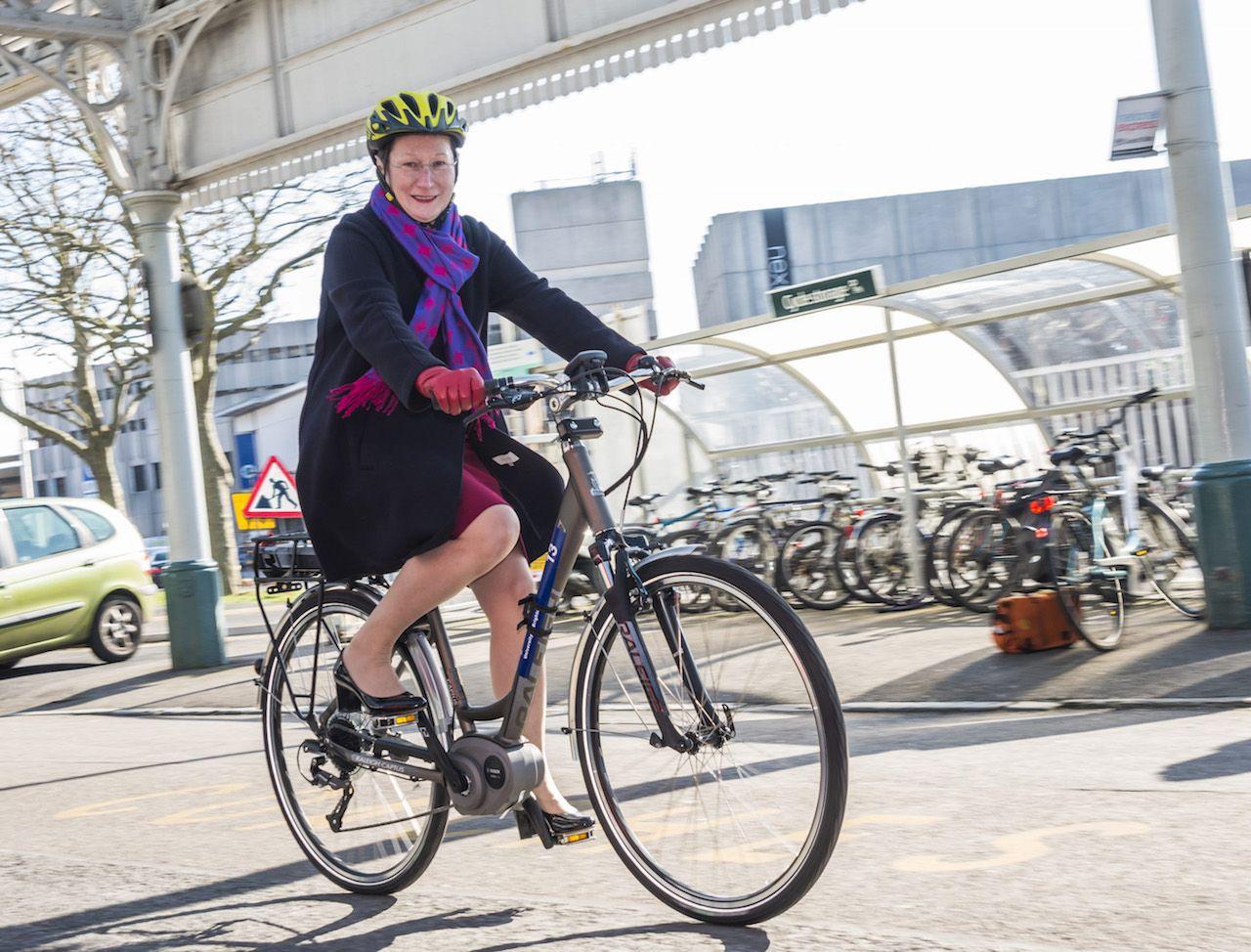 Uk Electric Bike Hire Schemes Begin Roll Out Video Power Bike