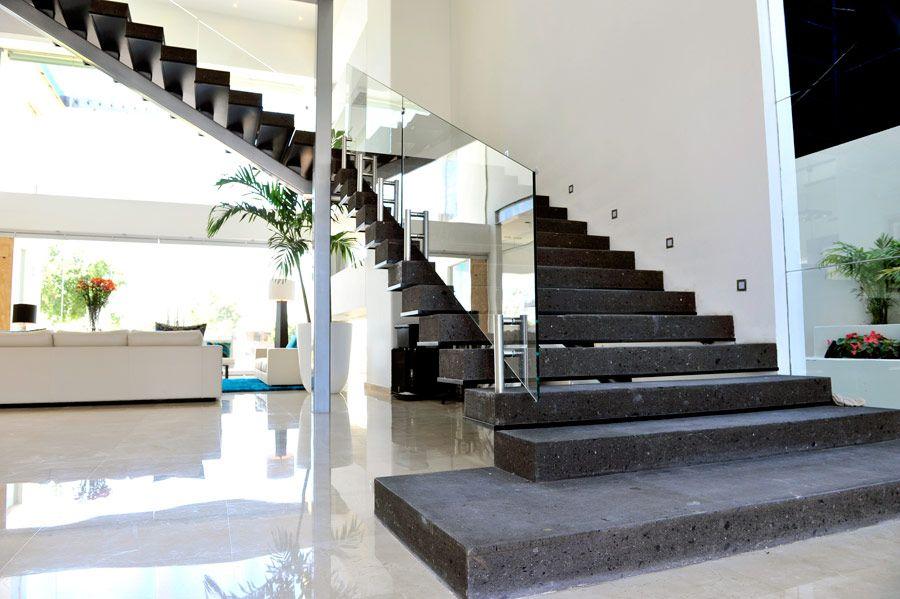 casa del mes mayo 2011 escaleras en 2019 casas