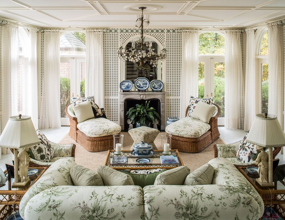 An Exclusive Home Tour With Leta Austin Foster The Glam Pad Classic Home Decor Classic House Classic Interior