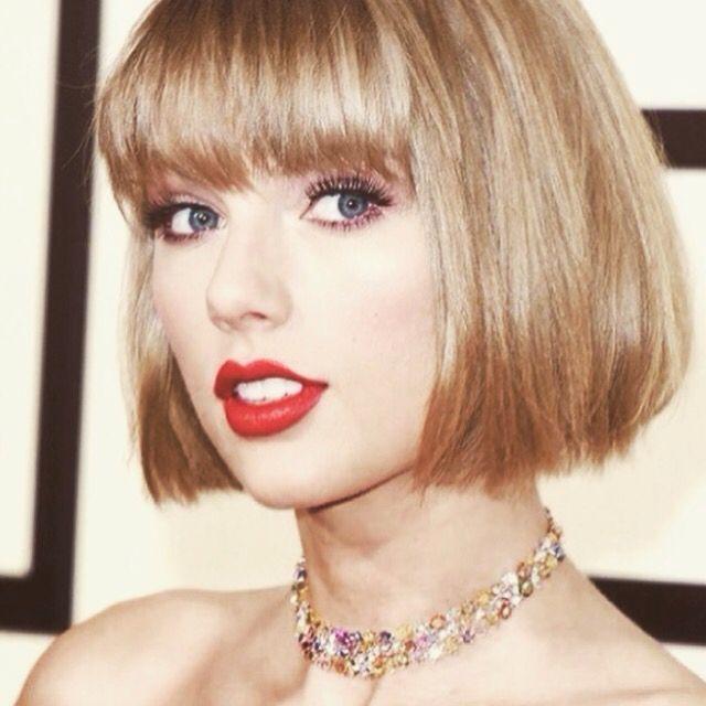 Taylor at the Grammys (2/15/16)