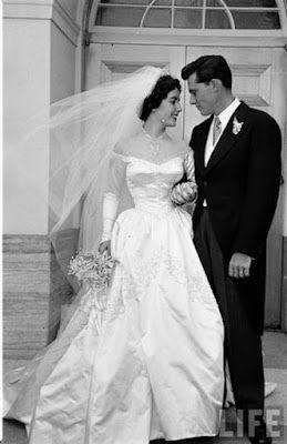 Elizabeth Taylor S First Wedding Dress Designed By The Legendary
