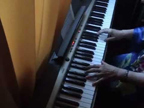 CLASES DE PIANO - LECCION 35 - Desplazamiento de las manos en obras velo...