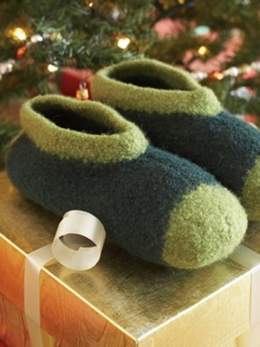 Felted Family Slippers Yarn Free Knitting Patterns ...