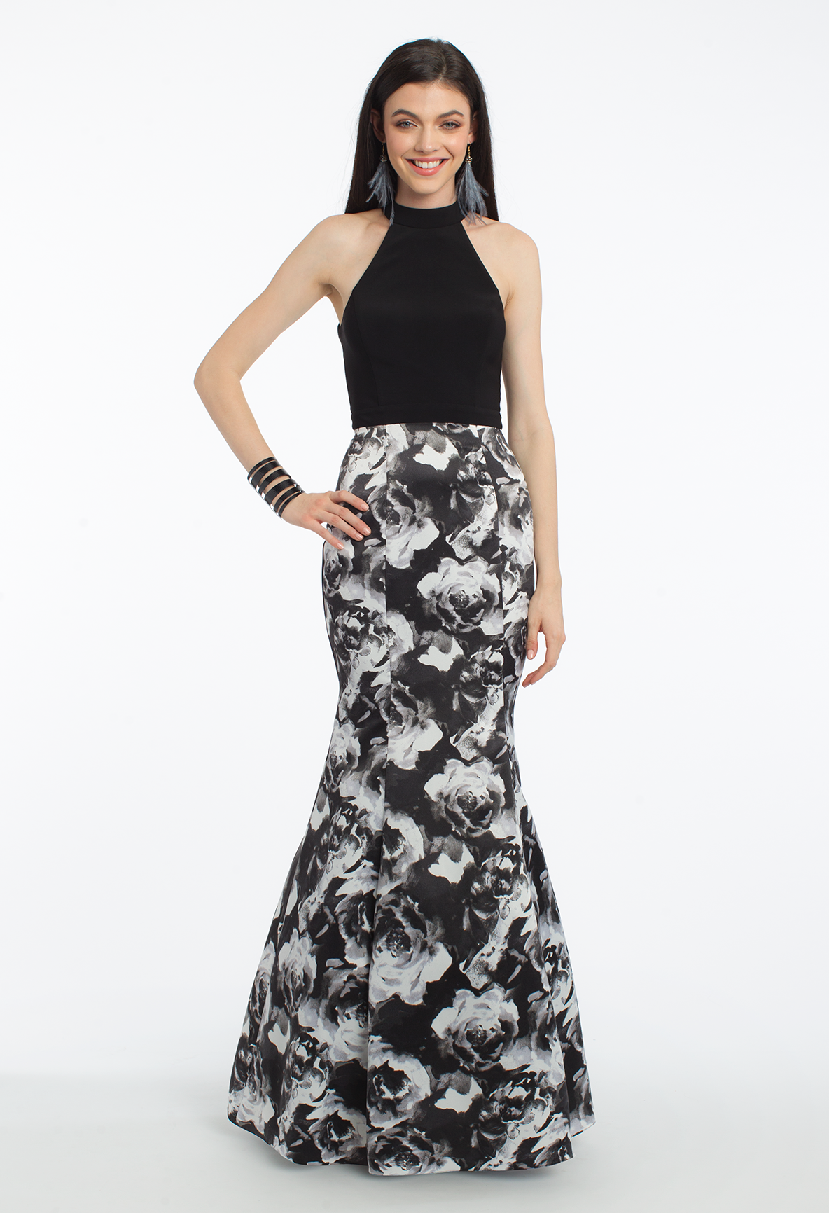 Show off your shape in this curvehugging evening gown a perfect