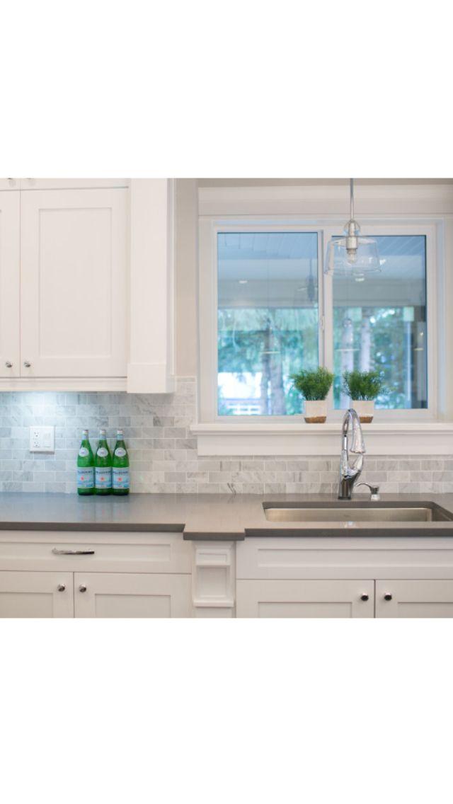 White kitchen, dark counter, backsplash | kitchen tiles | Pinterest ...