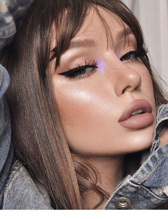 Große Lippen für ein perfektes Make - up Inspirierende Damen - #damen #Ein #für #große #insp...