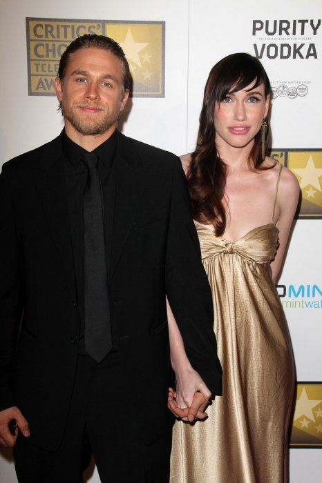 Charlie Hunnam & gf Morgana McNelis - 44.6KB