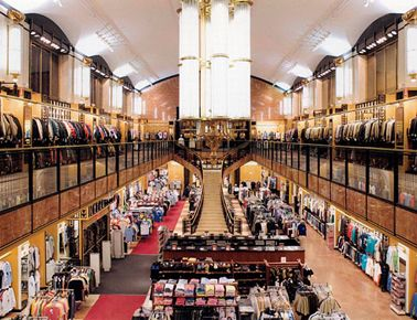 Century 21 Department Store 11 Cortlandt Street Nyc Betw Church Broadway For More Than 50 Years Cent New York Shopping New York Travel Ground Zero Nyc