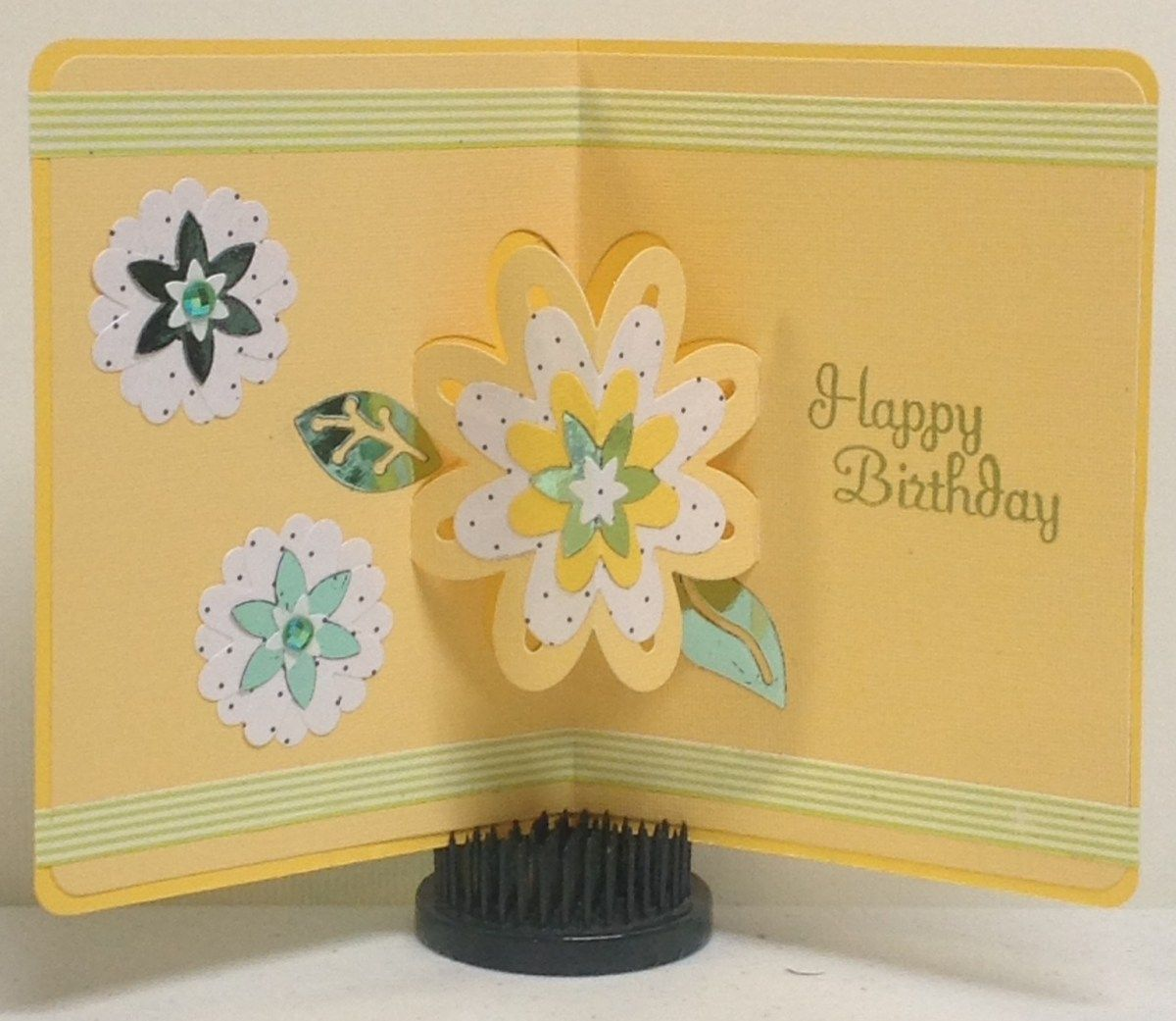 How to use sizzix drop ins card with flowers cards pinterest cards how to use sizzix drop ins card with flowers izmirmasajfo