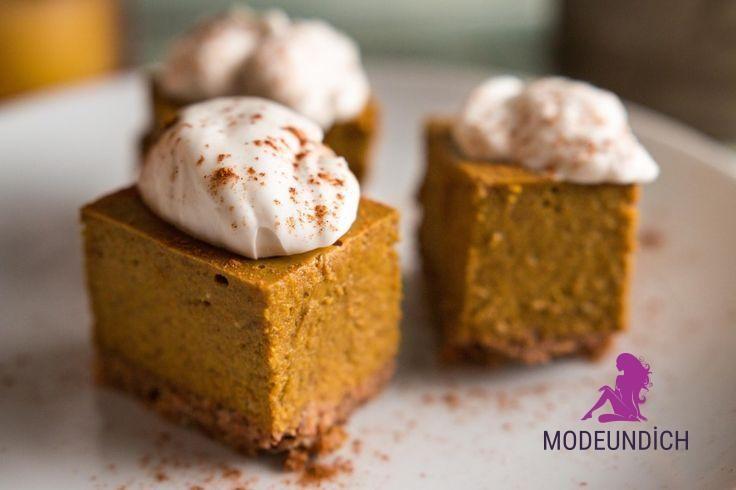 Paleo Pumpkin Pie Bites mit Kokosnuss-Schlagsahne!  -