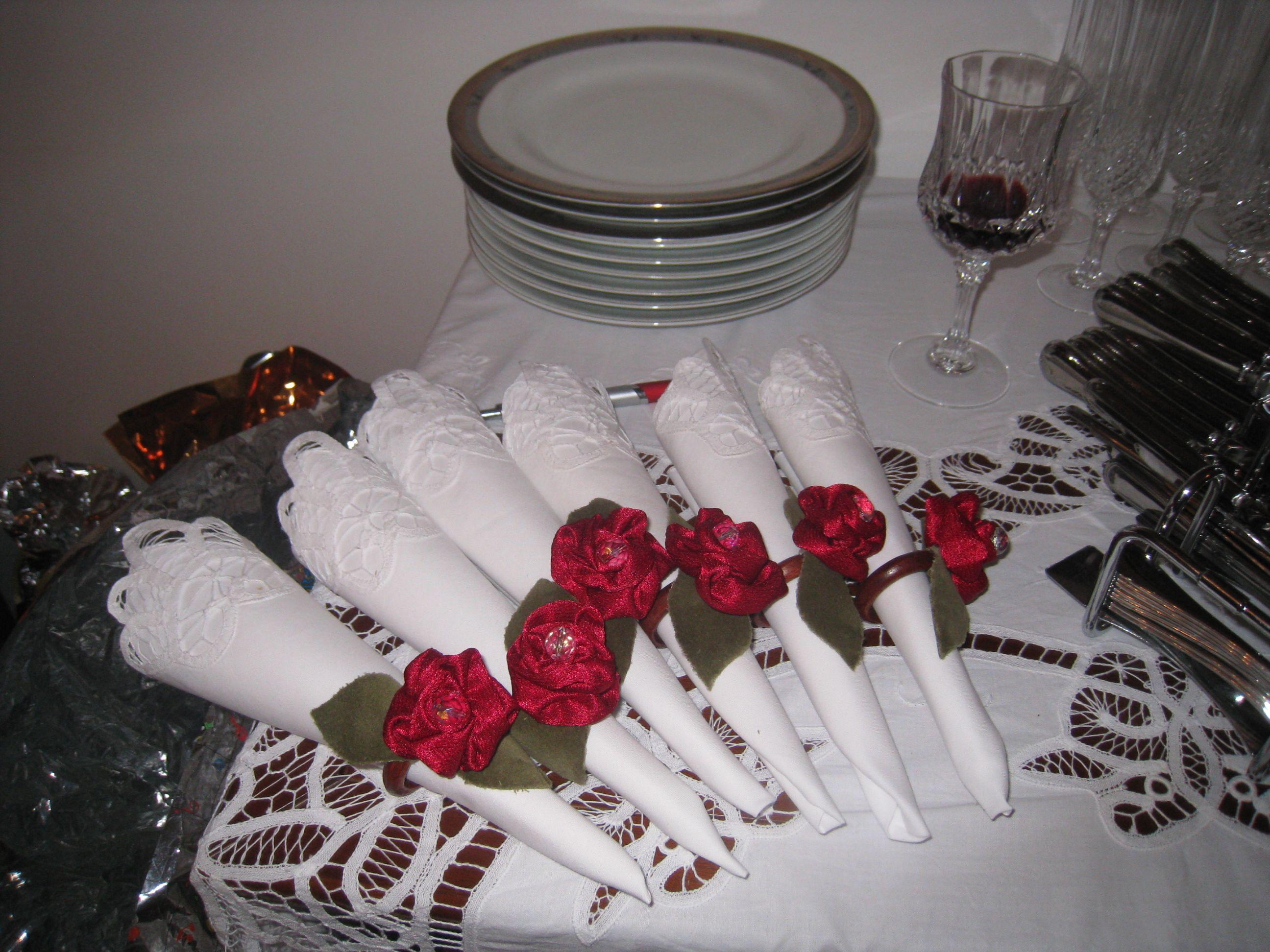 Porta guardanapos feitos de rosas de tecido - Castorina