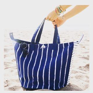 #chloeandisabel Canvas carryall bag $60 http://www.chloeandisabel.com/boutique/joanaallen