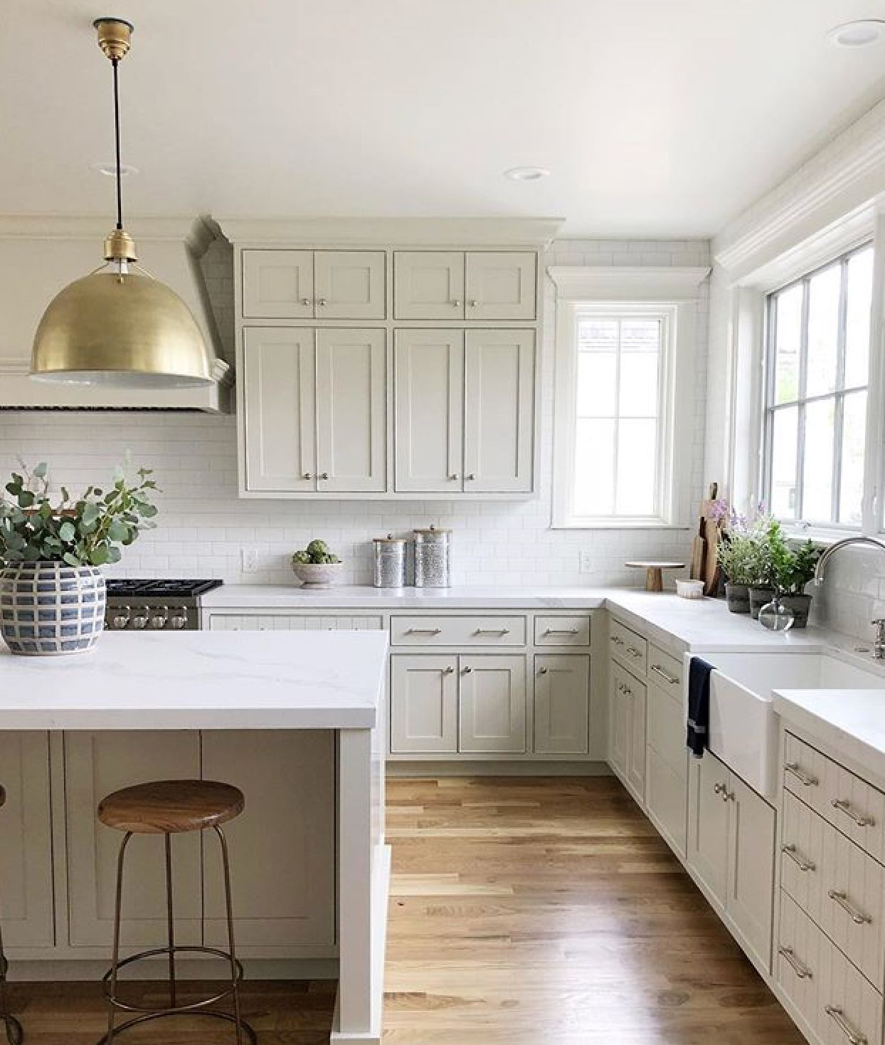 Cabinet Paint Color Ashwood By Bm Contemporary Style Kitchen Kitchen Trends Kitchen Design