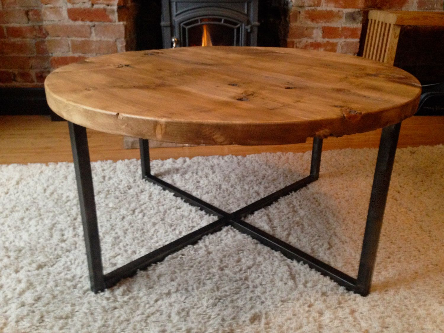 Reclaimed Barn Wood Round Coffee Table With Metal Base Table Basse Bois Metal Table Basse Ronde Table Basse Bois