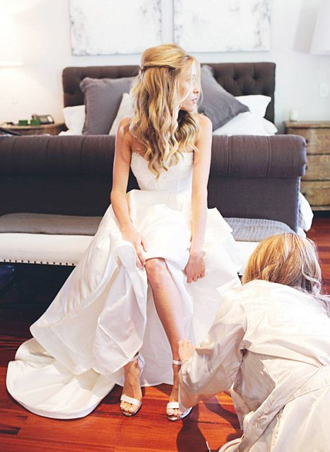 Kristin Cavallari Models Monique Lhuillier Wedding Dress Custom Shoes Celebrity Wedding Hair Wedding Hair Inspiration Monique Lhuillier Wedding Dress
