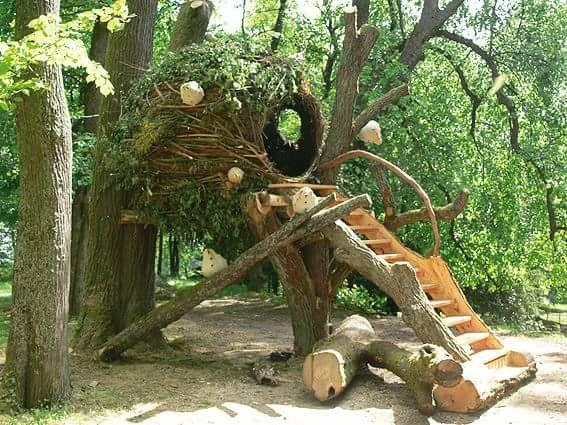 Boomhut Van Wilgentakken Natural Playground Tree House