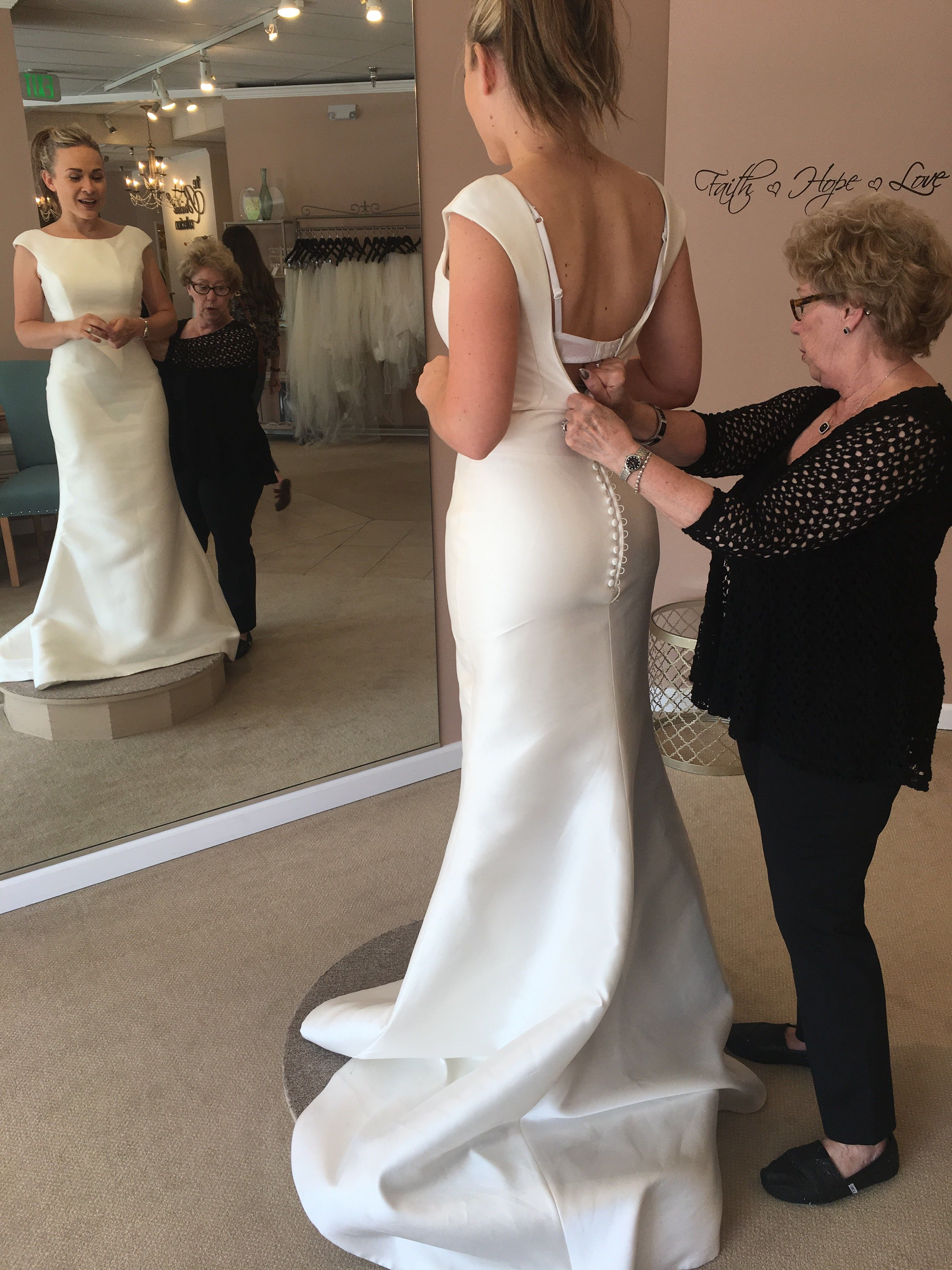 Pronovias Tabina --without the skirt   sis\'s wed   Pinterest ...