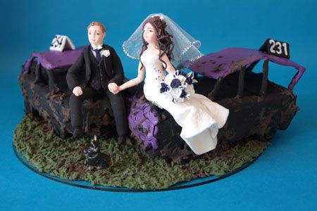 bride and groom on banger cars wedding cake topper My smaak