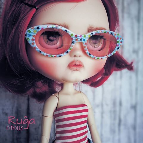 Ruĝa ❤ Sunnies  #ÖDOLLS #odolls #odollclothes  #handmade #hechoamano #swimsuit #bañador  #blythe #jeccifivedoll #customjeccifive  #ödollscustom #sunglasses  #sunnies #huaweiphotography #huaweip9