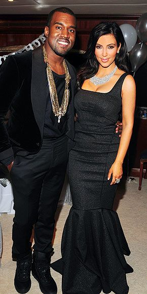 Kim Kardashian Kanye West Wedding Style Kim Kardashian Kanye West Style Photos Kim And Kanye Kim Dress Kim Kardashian