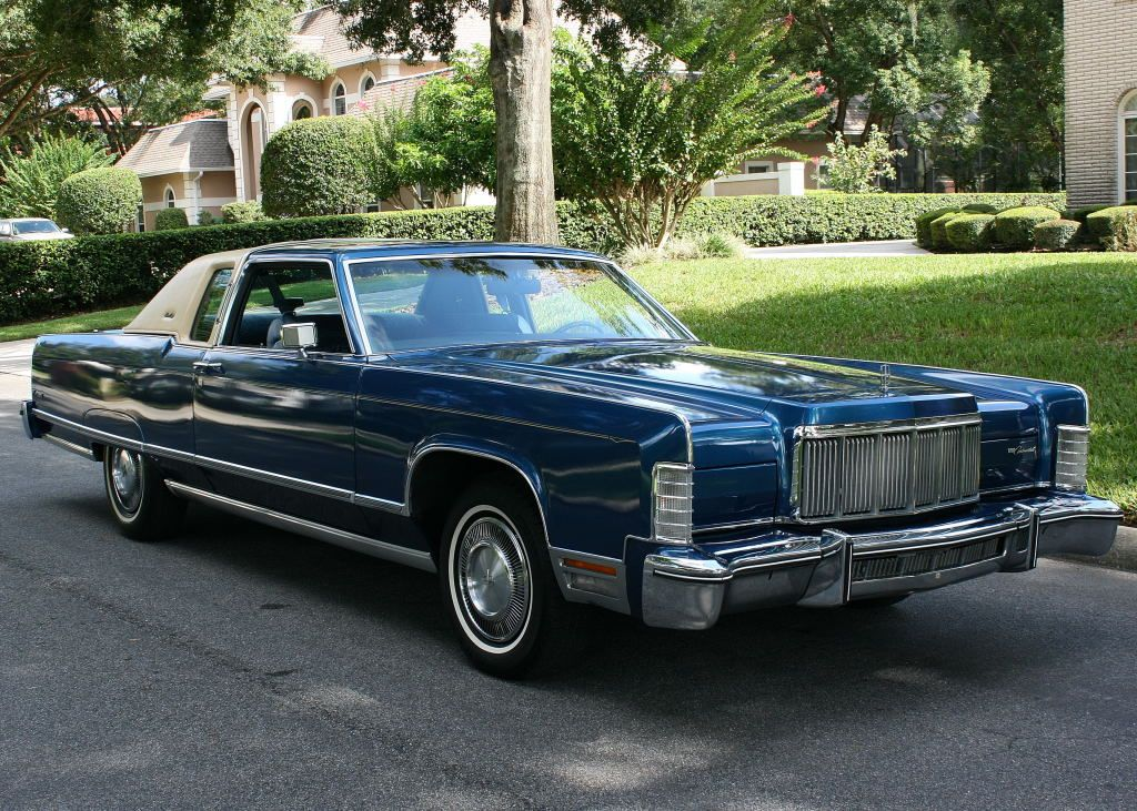 1976 Lincoln Town Coupe in Blue Starfire with White top