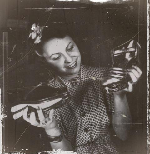 les semelles de bois des chaussures Paris 19401945