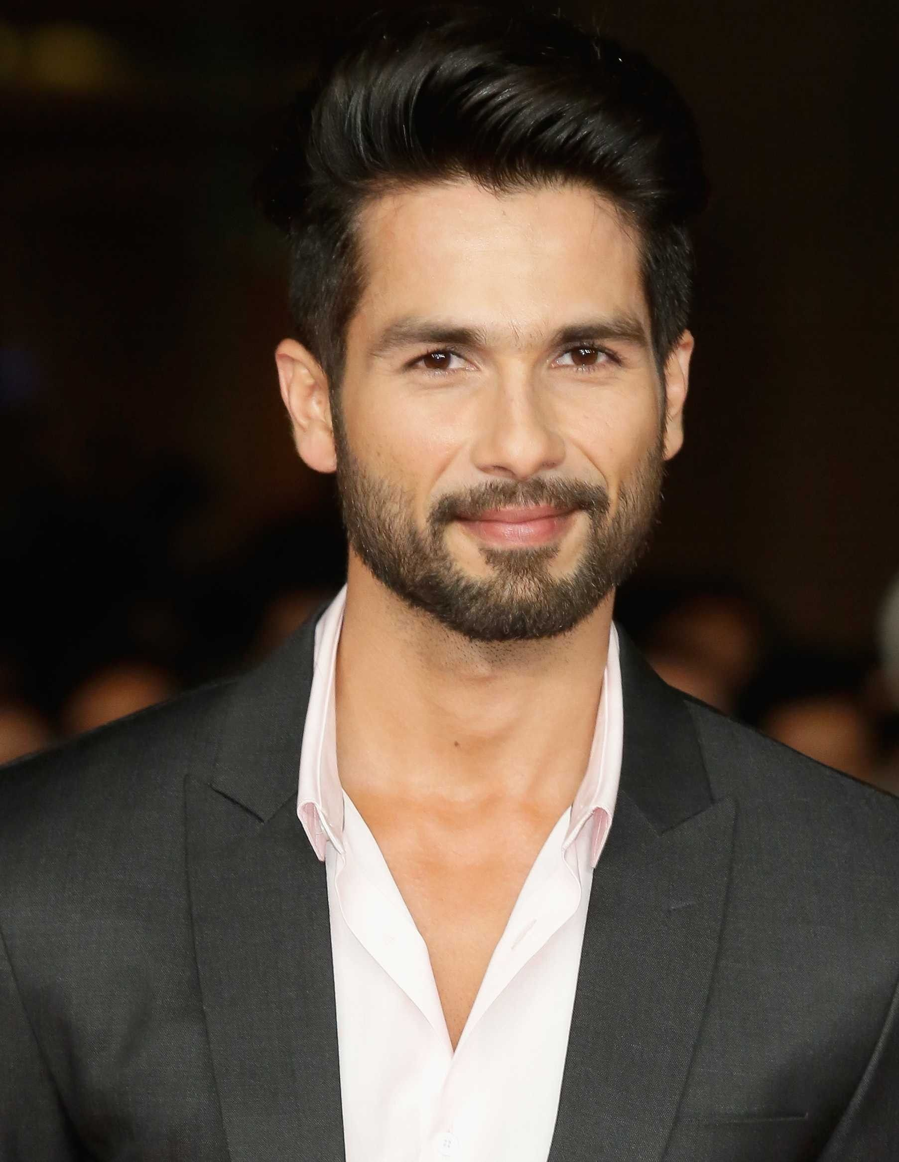 Long Hairstyles Men Indian In 2020 Cool Hairstyles For Men Indian Hairstyles Men Mens Hairstyle Images