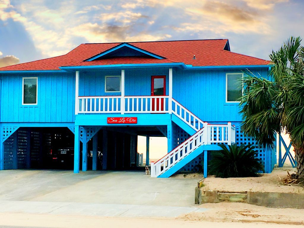 4 bedrooms four baths direct oceanfront covered porch