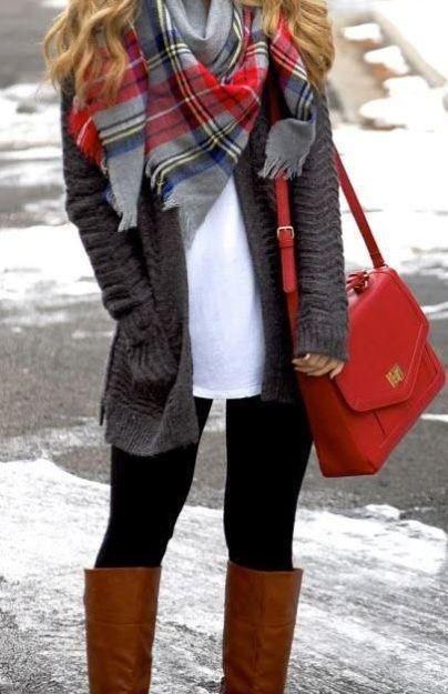 10 Essential Winter Accessories Any Fashionista Ne