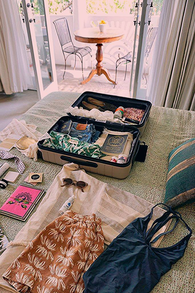 Photo of 10 Packing Hacks to Fit Everything into a Carry-On – HOUSE of HARPER