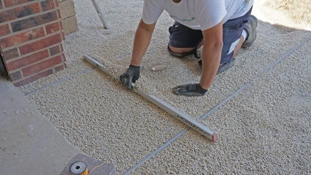 vorbereitung zum pflastern die tragschicht au enanlagen pflaster und g rten. Black Bedroom Furniture Sets. Home Design Ideas