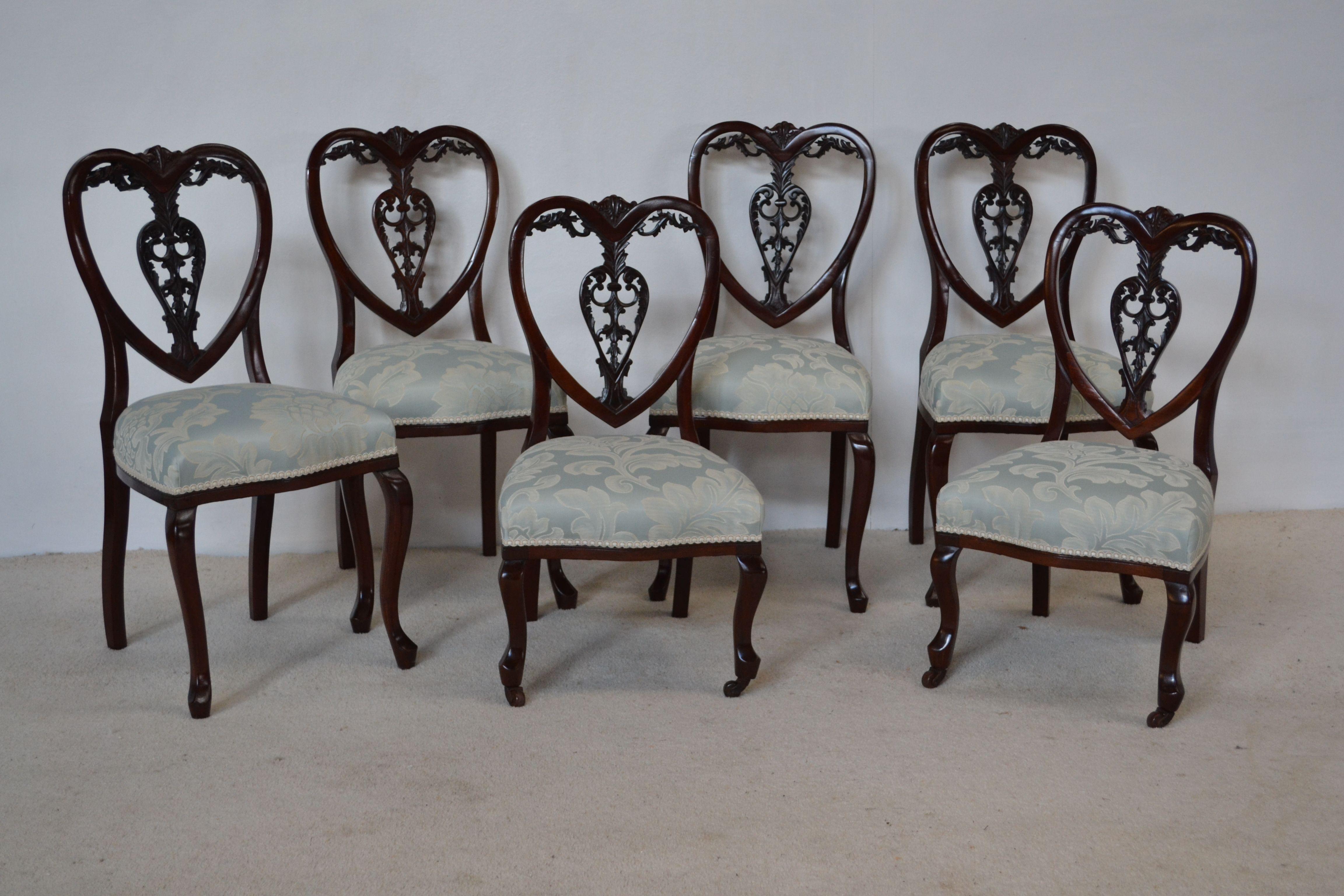 Sedie Veneziane ~ 6 sedie veneziane del 700. rarissime e spiritose laccate a