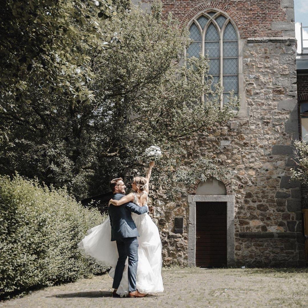 Gratulation zur Hochzeit liebe Nadine & Daniel! Was für ein fröhliches Foto! Superschön! Danke fürs...