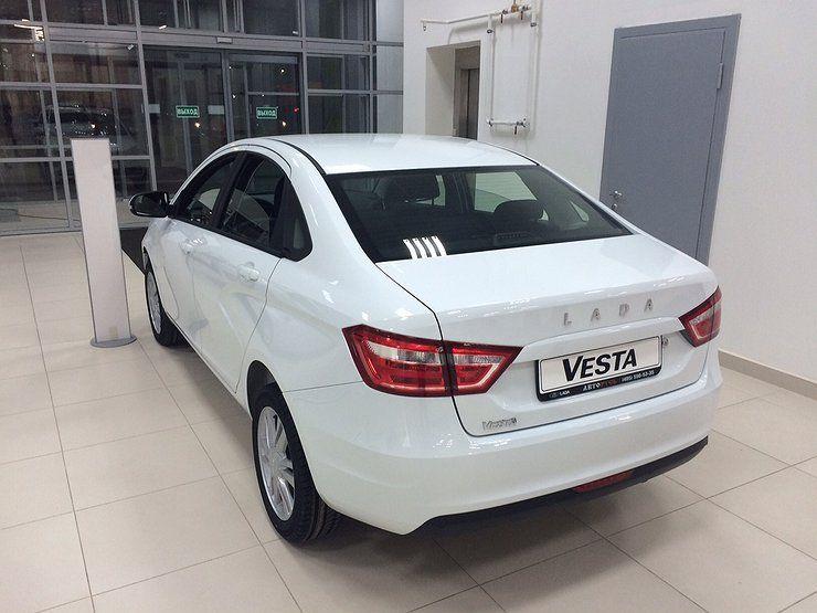 Причины, по которым россияне не хотят покупать LADA Vesta - Автомобили - АвтоВзгляд