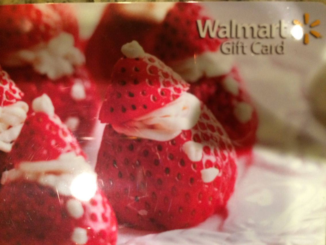 Santa Strawberries  Can't wait to replicate this idea, courtesy WM gift cards!